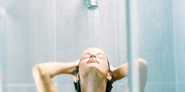 Prendre une douche est préférable afin d'éviter les infections urinaires